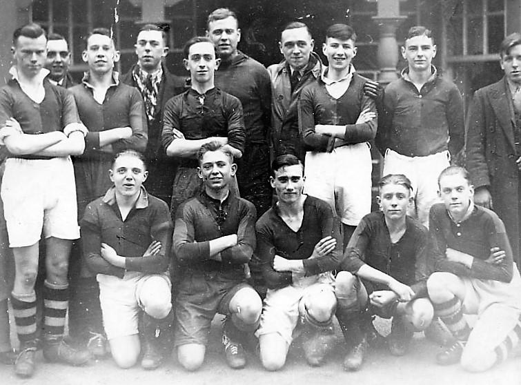 CP30 Urdd-team-1930's